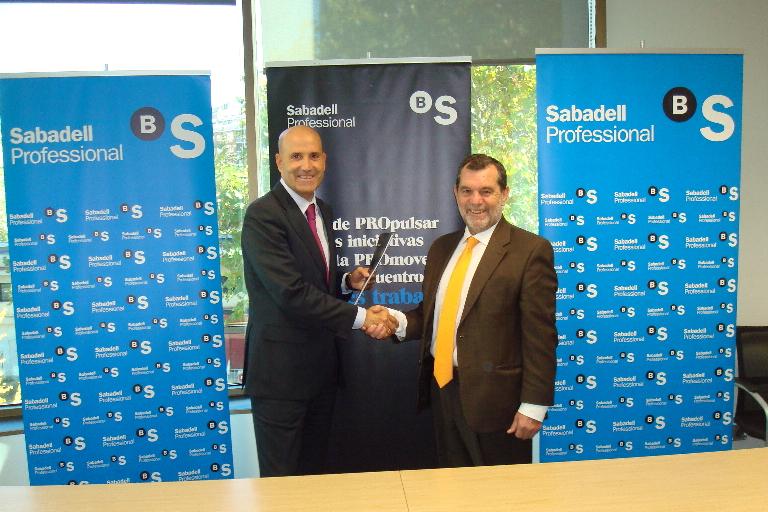 Convenio entre ASALMA y Banco de Sabadell